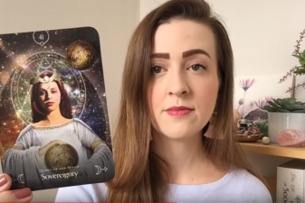 Queen of the Moon Oracle | Unboxing