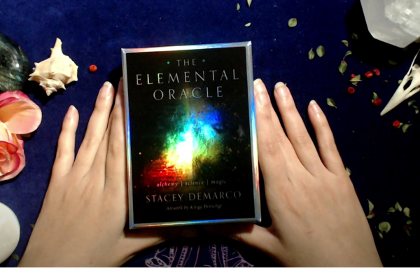 The Elemental Oracle Review in Español