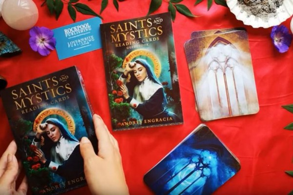 Saints & Mystics Review in Español